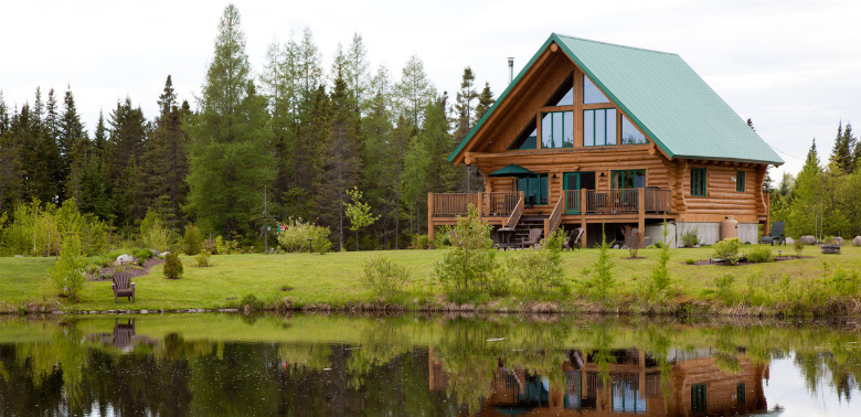 Drewno – stabilny materiał w budownictwie