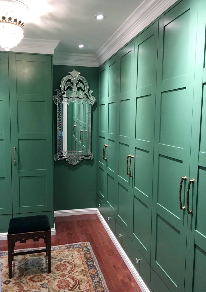 zielona garderoba z lustrem weneckim