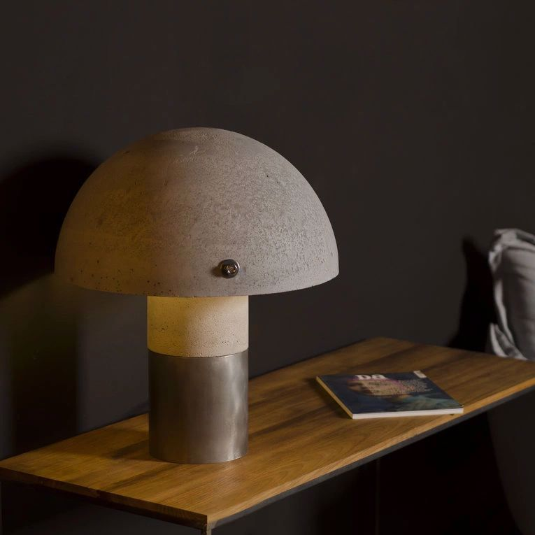 Lampa z betonu Loftlight Sfera table