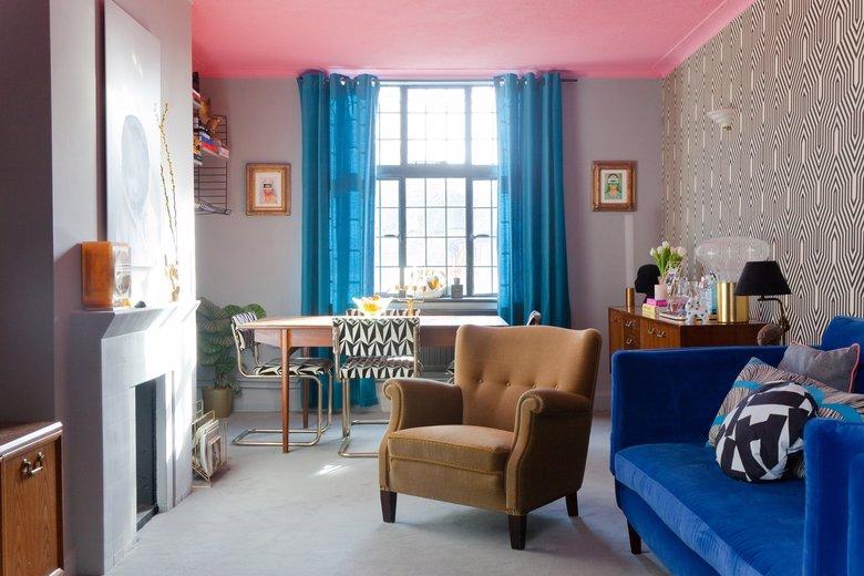 kolorowy, eklektyczny salon
