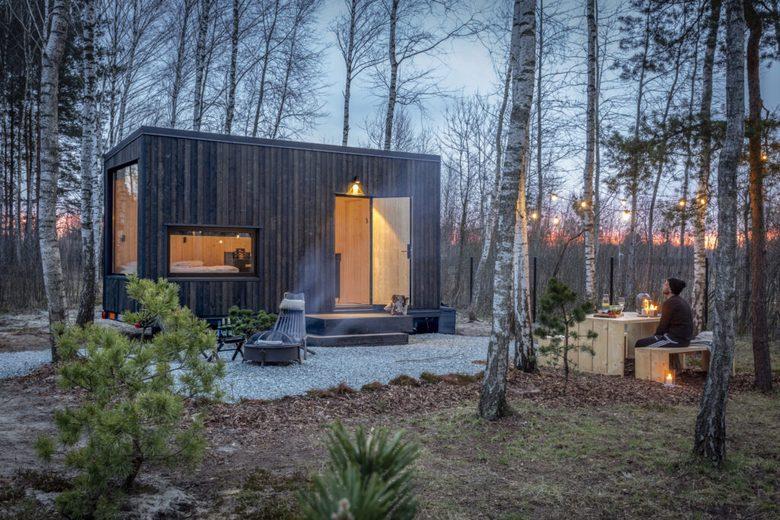 Tiny house w lesie