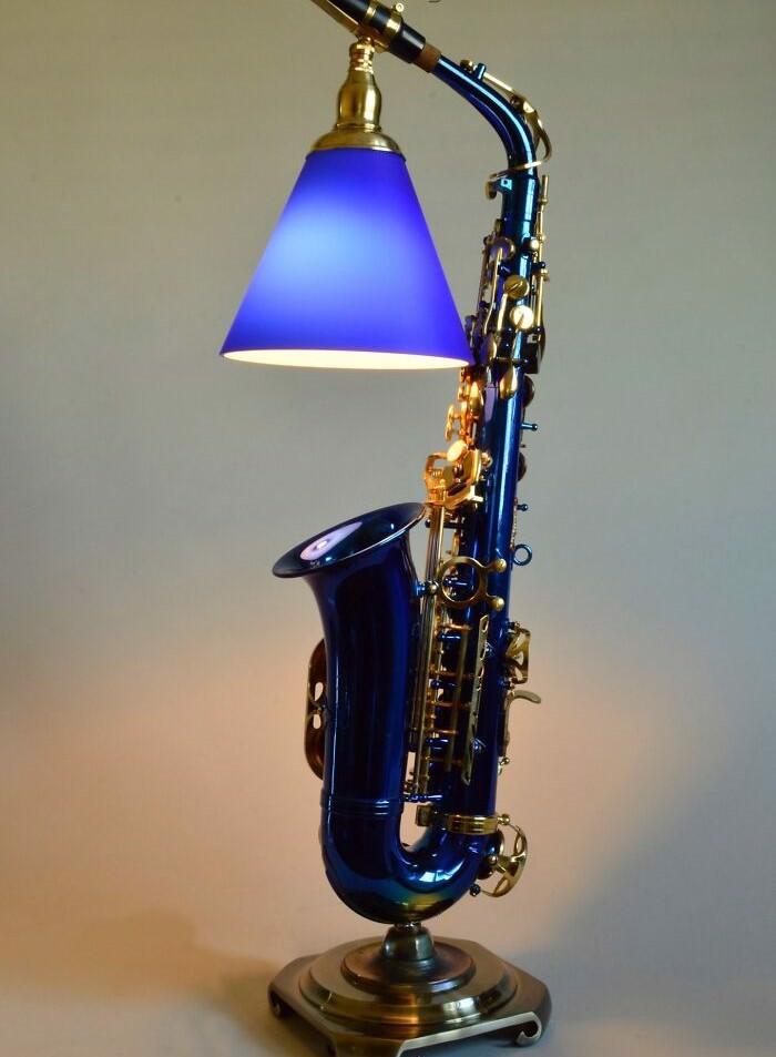 lampa z saksofonu
