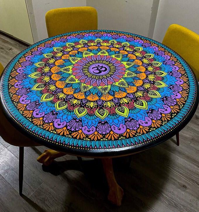 mandala na stole