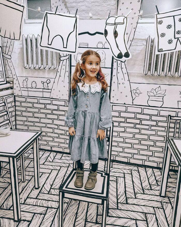 dziewczynka w rosyjskiej kawiarni