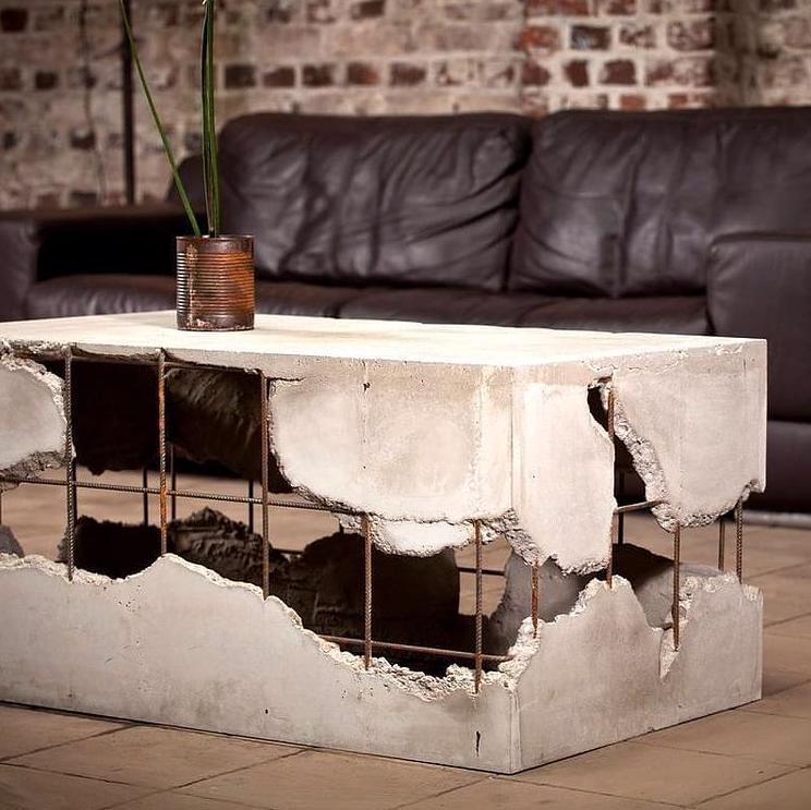 nietypowy stół