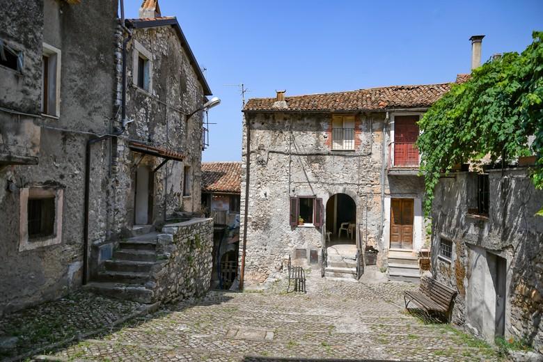 Maenza - stare domy