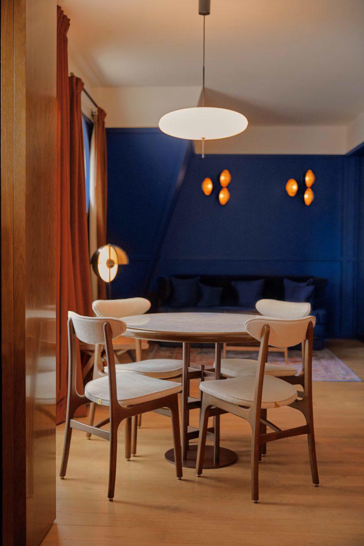 Krzesła 200-190 R. T. Hałas 366 Concept
