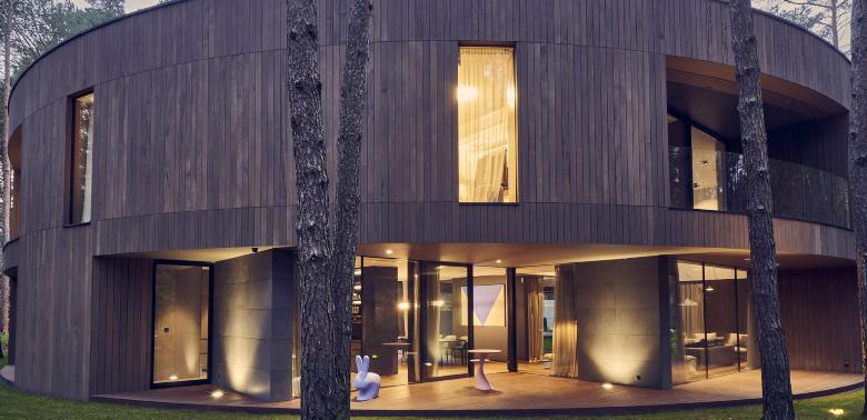 Circle_Wood_House_Mobius